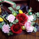 母の日はプリザーブドフラワーを和風アレンジでお菓子と一緒に!